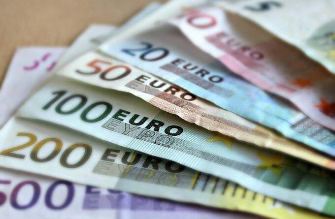 En los últimos doce meses venta del euro se ha mantenido alrededor de los 70 pesos