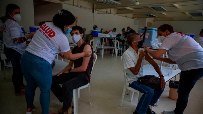 Vacunación en Venezuela avanza lentamente: Se acaba el stock de Sputnik V para segundas dosis