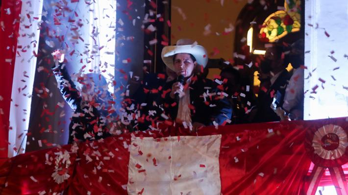 """Pedro Castillo llama """"a la más amplia unidad del pueblo peruano"""" tras ser proclamado como presidente electo"""