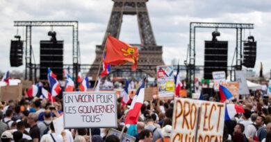 Más de 160 mil franceses protestan contra las restricciones por el coronavirus: Hubo 168 concentraciones en todo el país