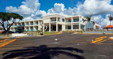 El simbólico hotel Santa Cruz en El Seibo aún no supera trabas para su operación