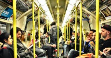 Google Maps se adapta a la nueva normalidad, ya avisa de aglomeraciones en el transporte público
