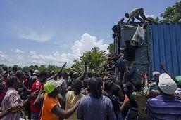 Saquean 4 camiones con ayuda en carretera de Haití