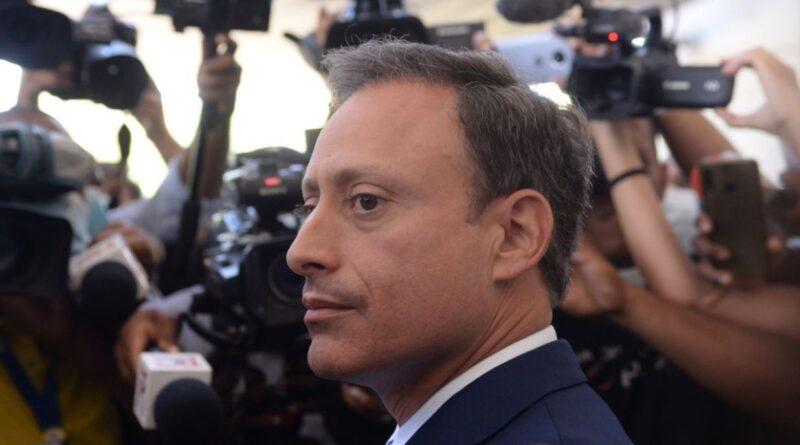 Defensa de Jean Alain pide aplazar audiencia en la que buscan su liberación