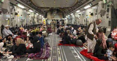 EE.UU. evacúa en las últimas 24 horas cerca de 16.000 personas desde Afganistán