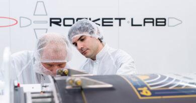 El desarrollador de naves espaciales Rocket Lab cierra a la baja en su primer día en bolsa