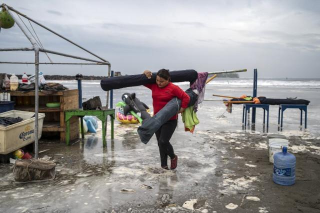 El paso del huracán Grace por México deja al menos 2 muertos