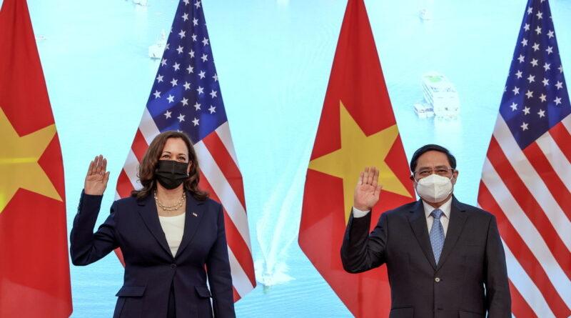 Kamala Harris ataca a China por segunda vez en dos días, instando a presionar ante los reclamos marítimos de Pekín en el Indo-Pacífico