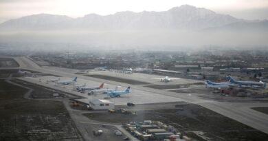 La Embajada de EE.UU. en Afganistán reporta que se realizan disparos contra el aeropuerto de Kabul