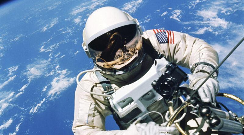 La NASA pospone la caminata espacial en la EEI debido a un problema médico de su astronauta