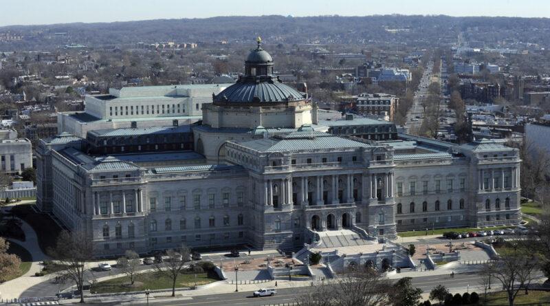 La Policía desaloja un edificio de oficinas cerca del Capitolio de EE.UU. por un vehículo sospechoso que estaría cargado con explosivo