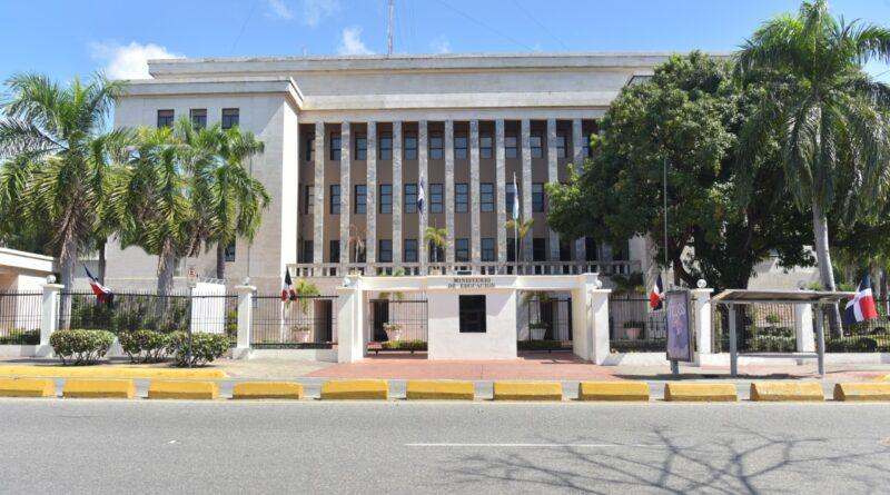 Ministerio de Educación dice pagó RD$45,592,384.29 por licencia pre y post natal