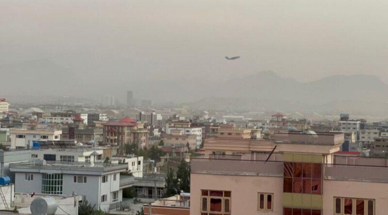 Reportan una tercera explosión cerca del aeropuerto de Kabul