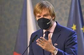 Vojtěch: La revacunación con la tercera dosis comenzará a mediados de septiembre. Los servicios y las tiendas no cerrarán ni siquiera en un escenario de riesgo