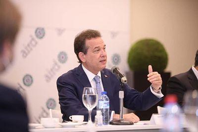 Ito Bisonó favorece compra de Refidomsa por parte del Estado