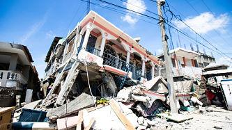 Autoridades de Haití piden a grupos de rescatistas mexicanos dejar las labores de rescate tras terremoto