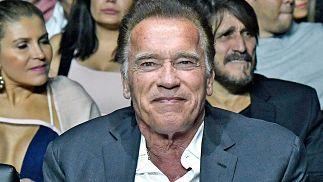 Arnold Schwarzenegger pierde patrocinador corporativo del evento de culturismo por comentario 'peligroso, antiamericano'