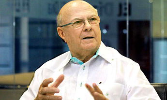 Hipólito dijo no aceptará sentarse al lado Leonel en diálogo nacional