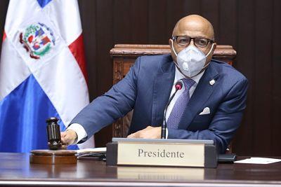 Alfredo Pacheco dice hay que regularizar tema de préstamos y pide bajar déficit presupuestario