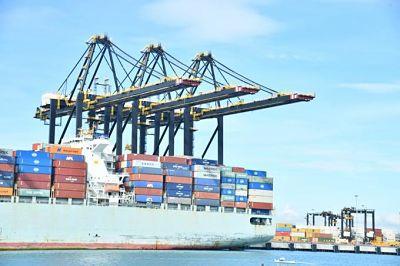 China reabre uno de los principales puertos del mundo
