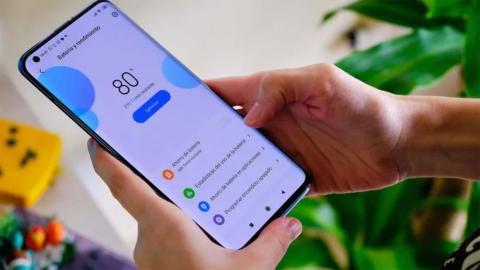 Xiaomi quiere penalizarte por utilizar baterías no originales en sus smartphones