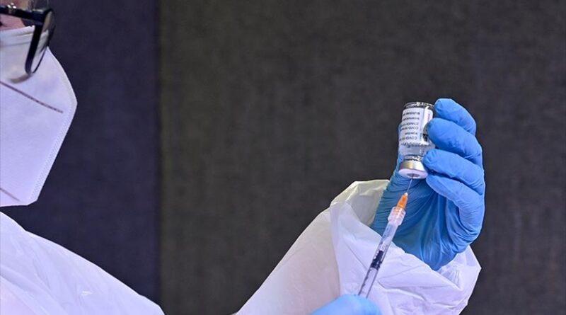 """Autoridades sanitarias de EE.UU. recomiendan """"firmemente"""" que las embarazadas se vacunen contra el coronavirus"""