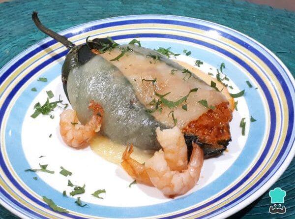 Receta de Chiles rellenos de camarón con chipotle