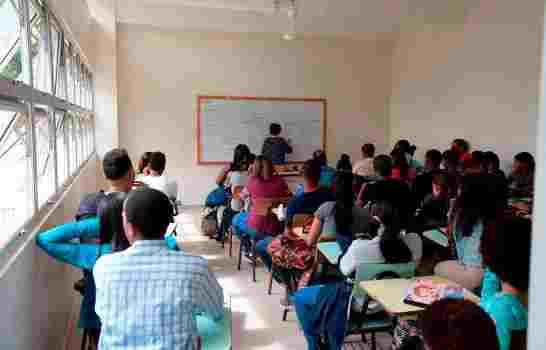 Disponen egresados del programa de excelencia participen del concurso de oposición docente