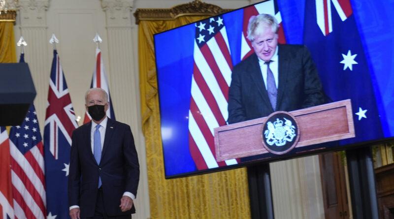 El canciller francés explica por qué no han retirado a su embajador en Londres en medio de la crisis de los submarinos