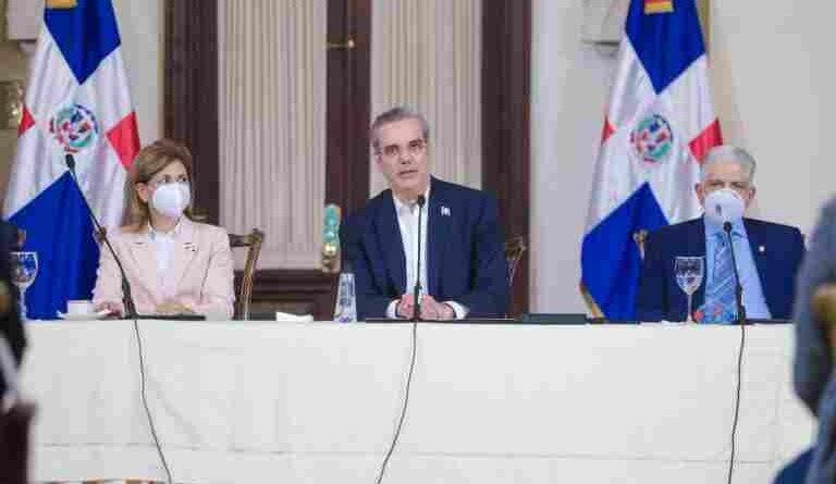 Gobierno agiliza trámites para inversión con prioridad en el sector turístico