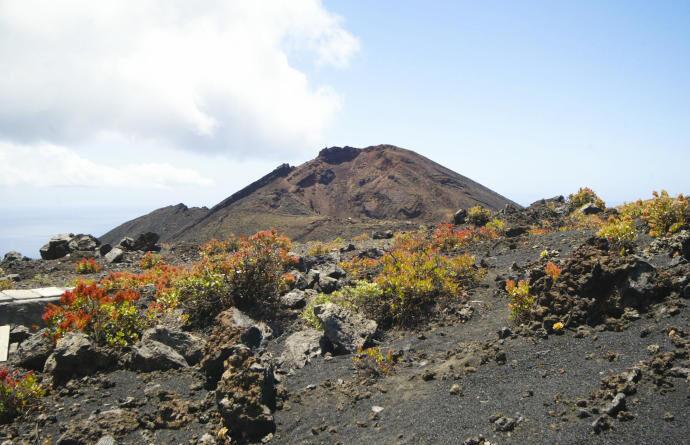 La isla de La Palma entra en fase preeruptiva y comienza la evacuación preventiva