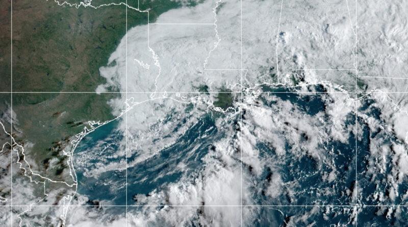 La tormenta tropical Nicholas deja inundaciones y cientos de miles de hogares sin electricidad en EE.UU.