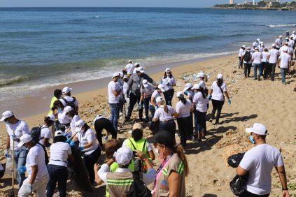 Medio Ambiente realiza limpieza de 80 playas en Jornada Nacional