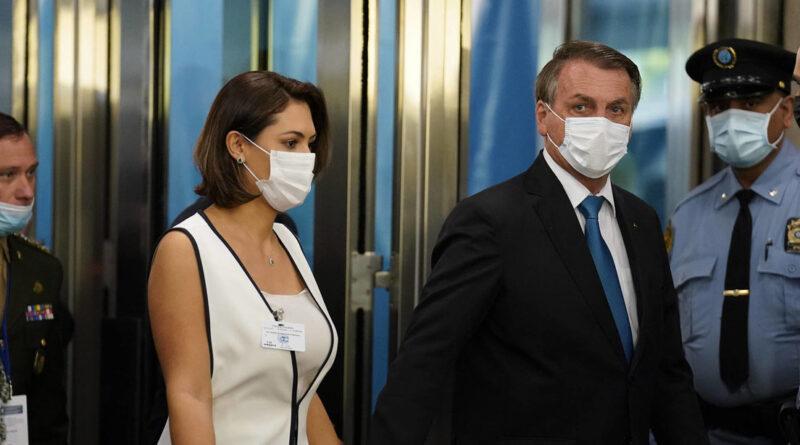 """""""Para que deje de ser un peligro para los demás"""": El alcalde de Nueva York pide a la esposa de Bolsonaro que envíe al mandatario a vacunarse"""