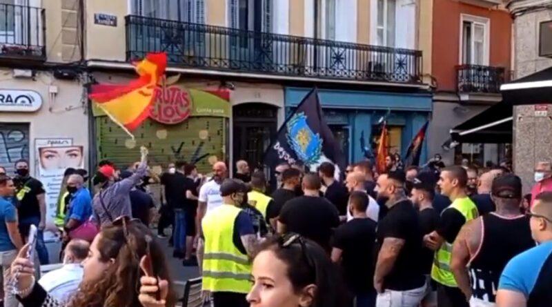 ¿Qué hay detrás de la manifestación homófoba y racista que recorrió las calles del barrio más diverso de Madrid?