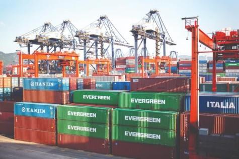 Persiste retraso en llegada de contenedores desde exterior