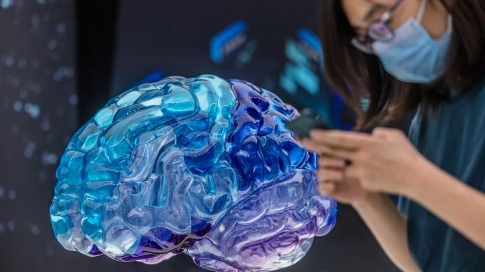 """Científicos creen que """"copiar y pegar"""" el cerebro humano en microchips es posible"""