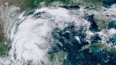 Pronosticadores: Se forma la tormenta tropical Nicholas en el Golfo de México