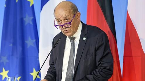 """Francia acusa a Australia y a Estados Unidos de """"mentir"""" y habla de """"crisis grave"""""""