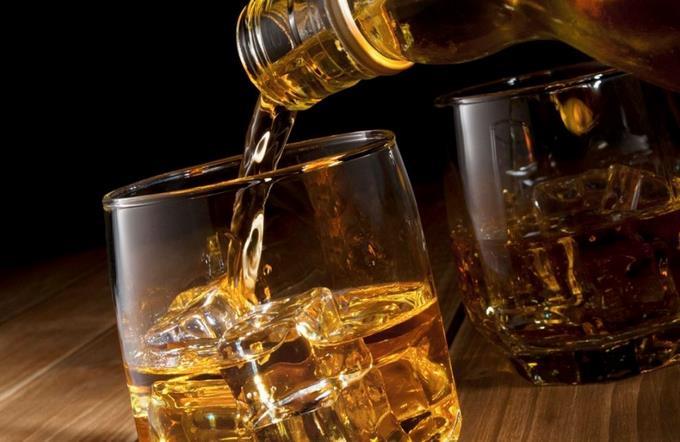 DGII da de tres a 15 meses para acatar norma alcohol y tabaco