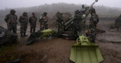 El Ejército indio despliega su artillería en la frontera con China a tres meses del acuerdo del retiro de tropas