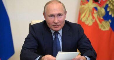 """Putin compara los valores modernos occidentales con el dogmatismo bolchevique y aboga por el """"conservadurismo racional"""""""