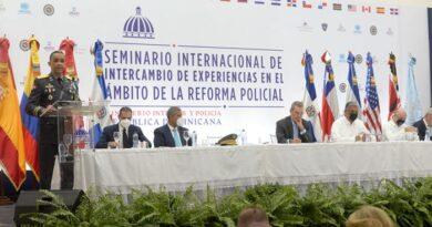 Luis Abinader anuncia pronto iniciarán con cambios en la Policía